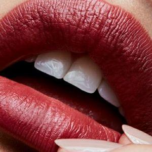 Brand New Mac Satin Lipstick Retro 820